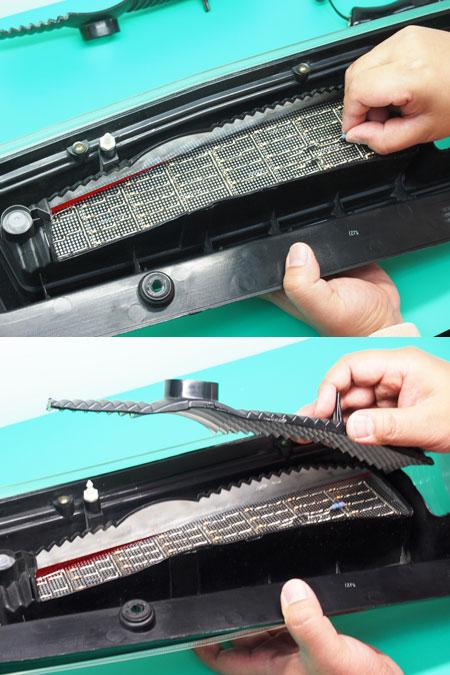 ブラック超音波カッターを使ったテールランプ殻割り方法 基板を入れる